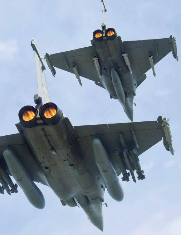 Elemento-de-Rafale-com-turbinas-em-pós-combustão-foto-via-Dassault-Aviation-revista-Fox-three-n14