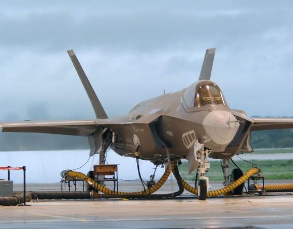 F-35 solo - foto Lockheed Martin