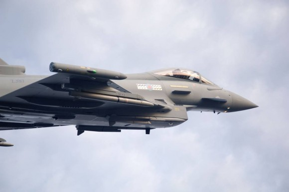 Typhoon com Meteor - foto Eurofighter