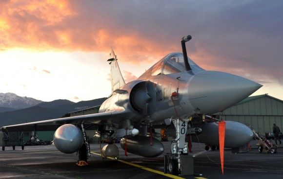 Mirage 2000-5 na BA 126 - Córsega - foto 1250x800 via OTAN
