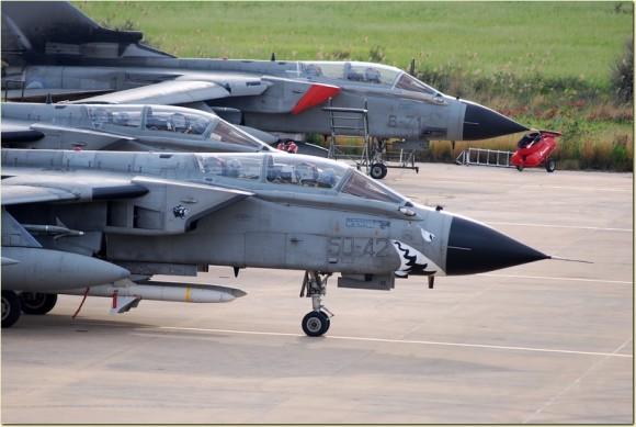 Accidentes/incidentes aéreos(Resto del mundo) Tornados-ECR-e-IDS-foto-For%C3%A7a-A%C3%A9rea-Italiana-580x389