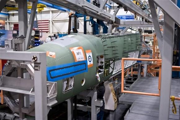 external image Super-Hornet-na-linha-de-montagem-foto-Boeing-580x386.jpg
