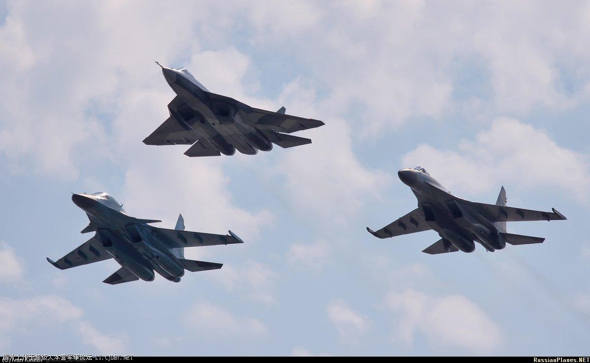 Air Show Moscu Maks 2011 Sukhois-MAKS-2011