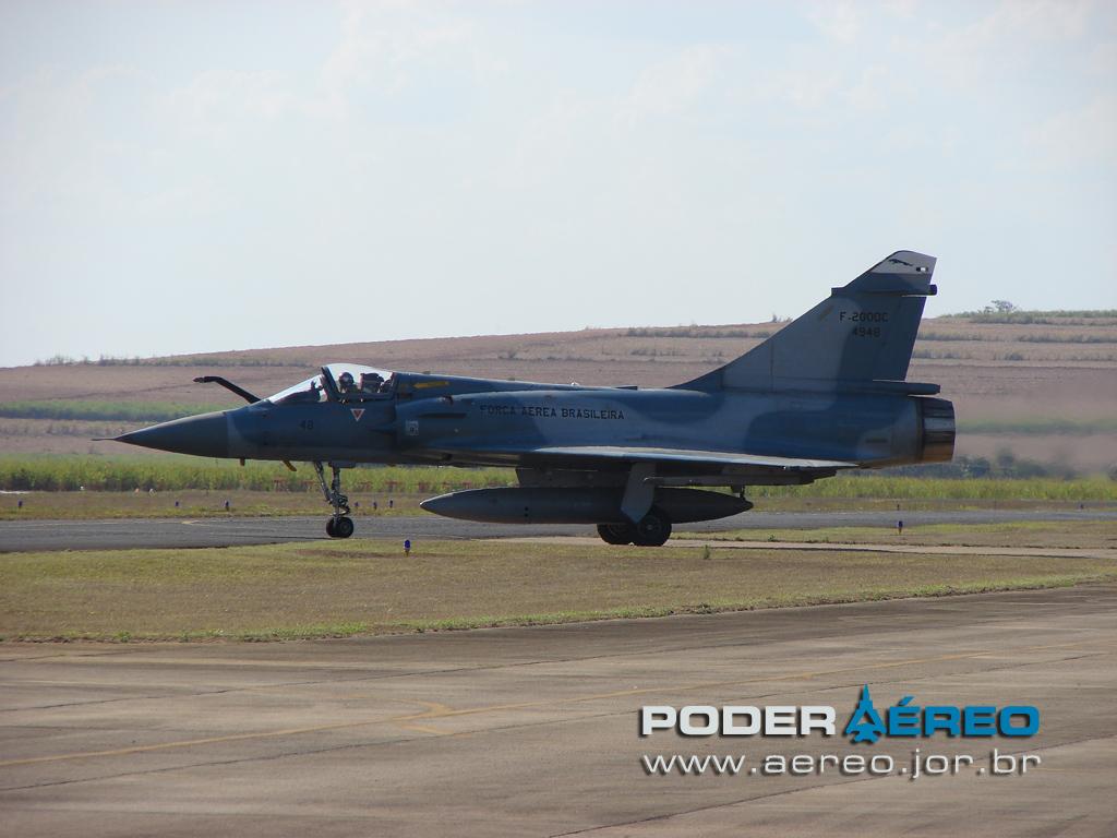 domingo aereo AFA 2011 - Mirage 2000C 3 - foto Poggio