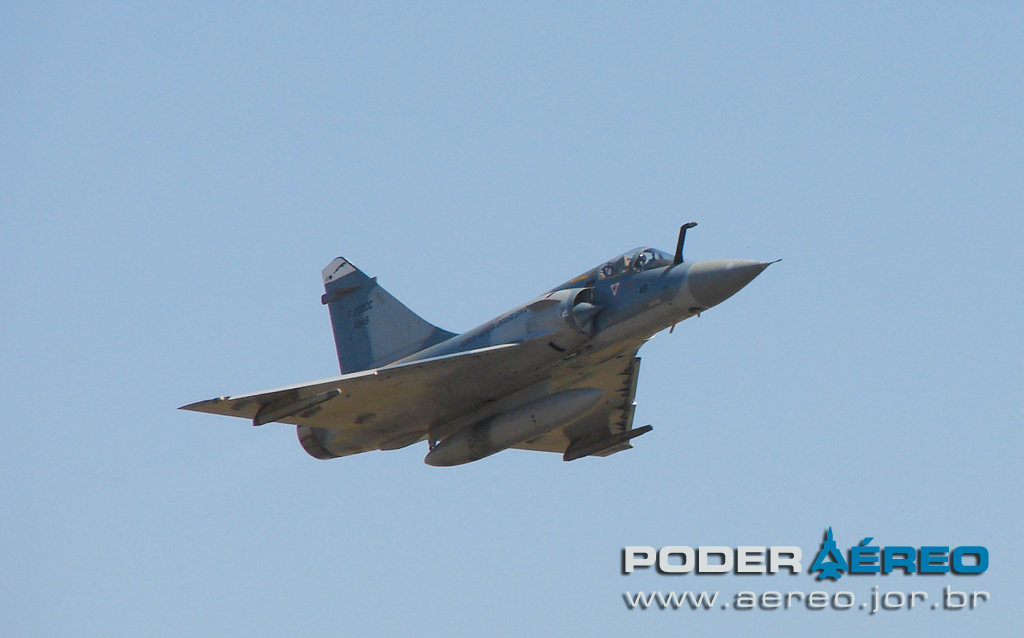 domingo aereo AFA 2011 - Mirage 2000C - foto Poggio