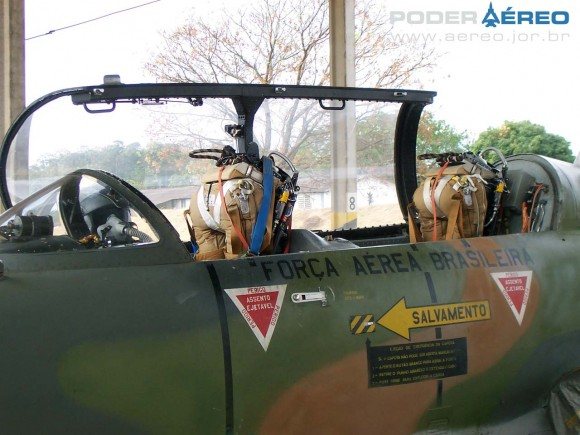 AT-26 4509 do antigo GEEV em Pirassununga em agosto de 2008 - foto 3 Nunão - Poder Aéreo