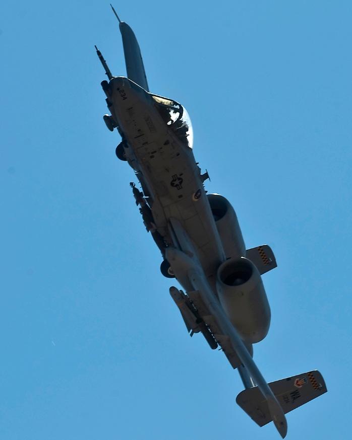 A-10 da Weapons School de Nellis em exercício de emprego de armas - foto 3 USAF