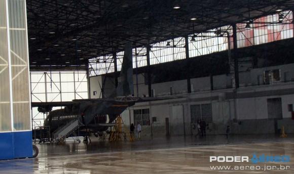 C-105 em revisão no PAMA-SP 2011 - foto Nunão - Poder Aéreo