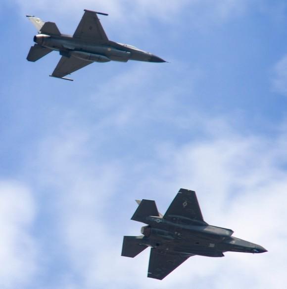 F-35 e F-16 em Eglin - foto 2 USAF