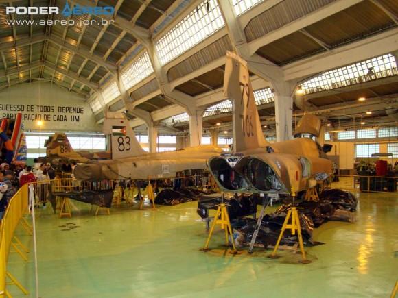 F-5E ex-Jordânia com indicações das matrículas na FAB - PAMA-SP 2011 - foto Nunão - Poder Aéreo