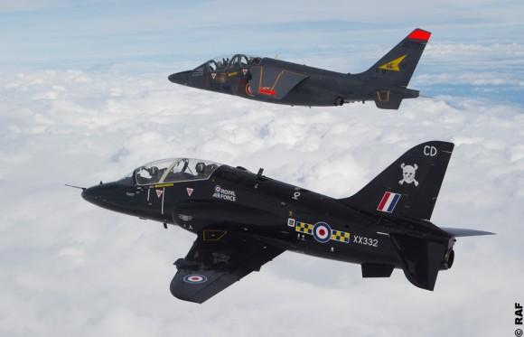 Hawk da RAF e Alpha Jet do Armee de lair no exercício EPIAS - foto RAF via Força Aérea Francesa