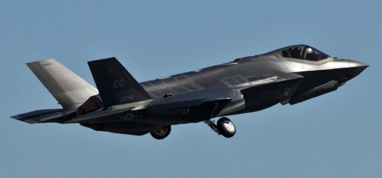 F-35 - primeiro voo de treinamento em Eglin - foto 2 USAF