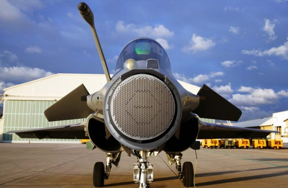 Rafale com radome aberto - foto via Dassault
