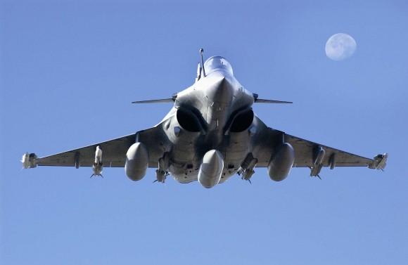 Rafale e lua - foto Dassault