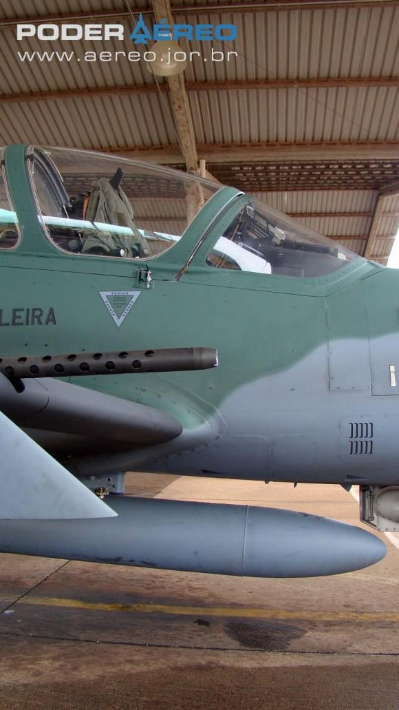 A-29B detalhe armamento - 60 anos da Fumaça - foto 2 Nunão - Poder Aéreo