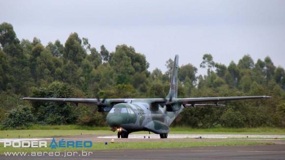EDA 60 anos - C-105 Amazonas da FAB taxiando - foto Nunão - Poder Aéreo