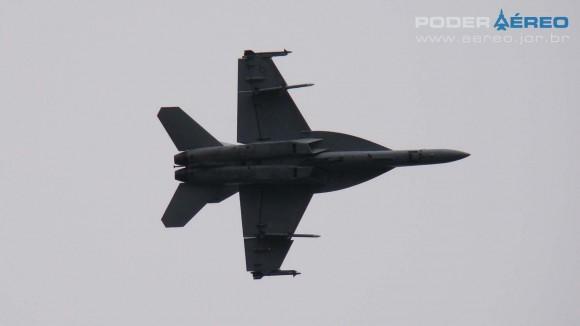 EDA 60 anos - Super Hornet apresentação 1 domingo - foto Nunão - Poder Aéreo