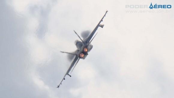 EDA 60 anos - Super Hornet apresentação 2 domingo - foto Nunão - Poder Aéreo
