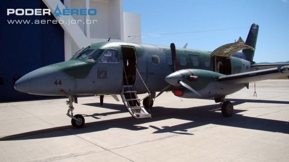 BASP Portões Abertos 2012 - Bandeirante modernizado C-95BM do 4ETA - foto Nunão - Poder Aéreo