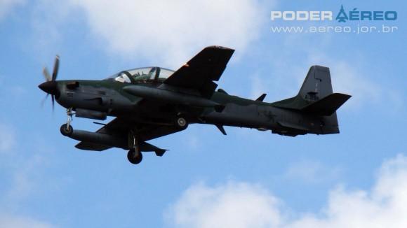PAMA-SP 2012 - 22set - A-29 Super Tucano FAB -  foto Nunão - Poder Aéreo