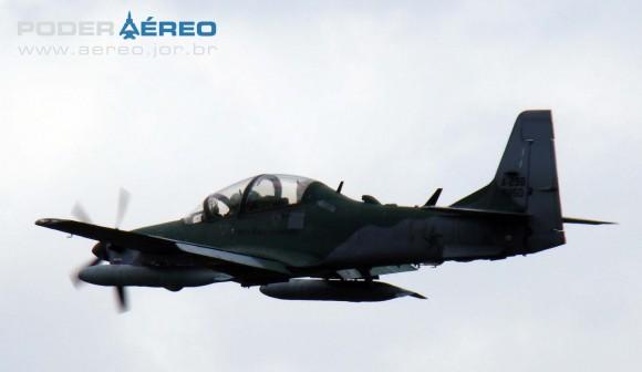 PAMA-SP 2012 - dom23set - A-29 Super Tucano FAB - foto 5 Nunão - Poder Aéreo