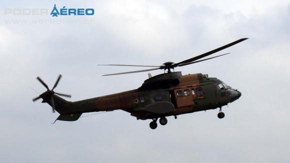 PAMA-SP 2012 - dom23set - H-34 Super Puma FAB - foto Nunão - Poder Aéreo