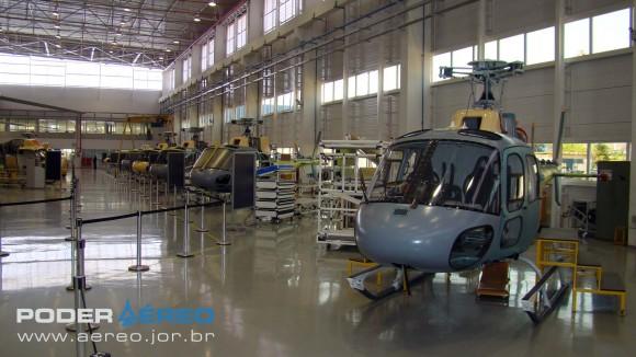 Helibras - inauguração nova fábrica 2-10-2012 - linha de montagem Esquilo - foto Nunão - Poder Aéreo