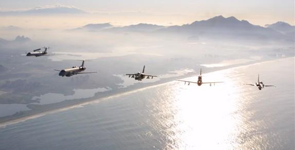 E-99 - R-99 - A-1 - A-29 e F-5 - foto FAB