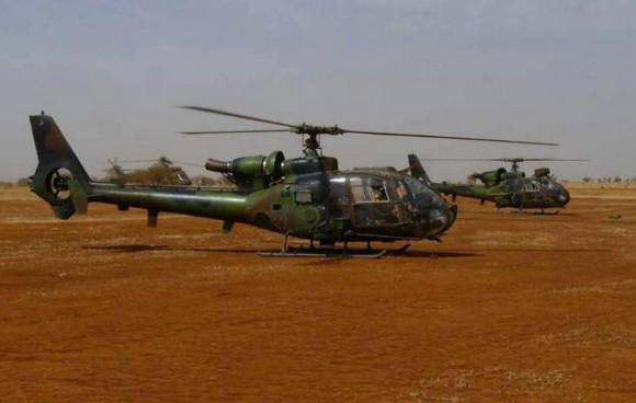 Operação Serval - helicópteros Gazelle - foto Ministério da Defesa da França