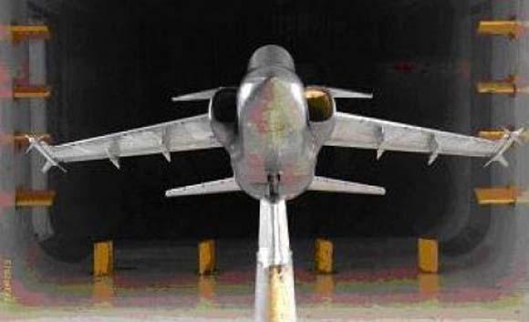 A-1 com canards maquete - foto IAE