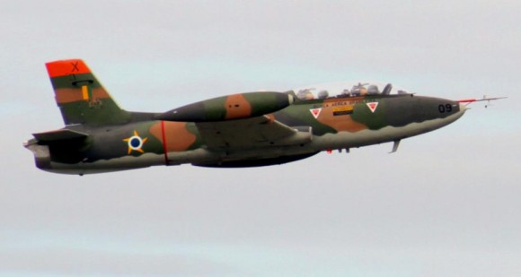 AT-26 Xavante em São José dos Campos - foto 3 C Santos - G1