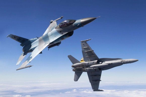 F-18 Hornet RAAF e F-16 Aggressor USAF - foto 2 MD Australia
