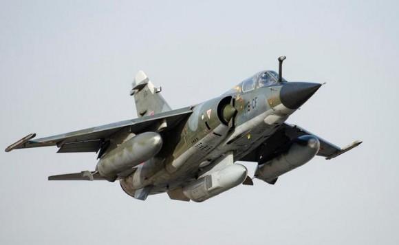 Mirage F1 deixa o Chade - foto Força Aérea Francesa
