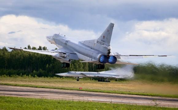 Bombardeiros Tu-22 russos - foto Ministério da Defesa da Federação Russa