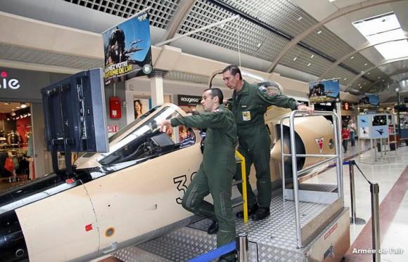 Cabine simuladora de voo de Mirage F1 - foto Força Aérea Francesa