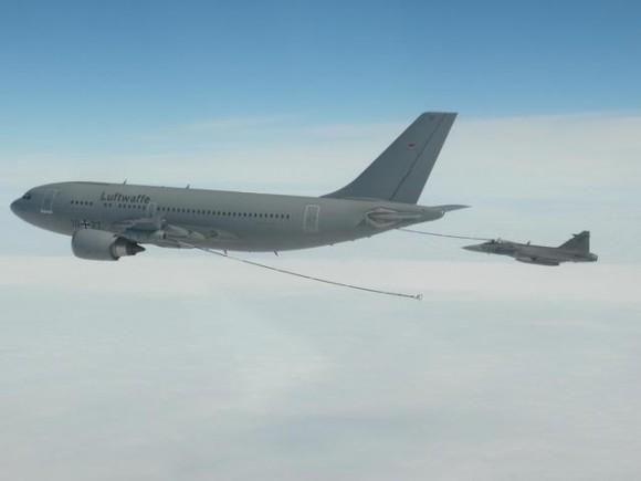 Gripen tcheco em REVO com A310 MRTT alemão - foto 2 MD República Tcheca