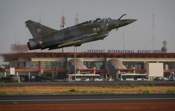Operação Serval - Mirage 2000 D decola de volta à França - foto 2 Min Def Francês