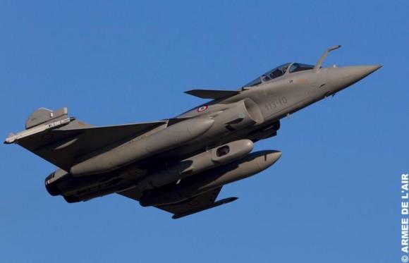 Rafale com pod Reco NG - foto Força Aérea Francesa