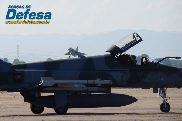 Treinamento conjunto F-5EM e F-2000 em Santa Cruz - foto Nunão