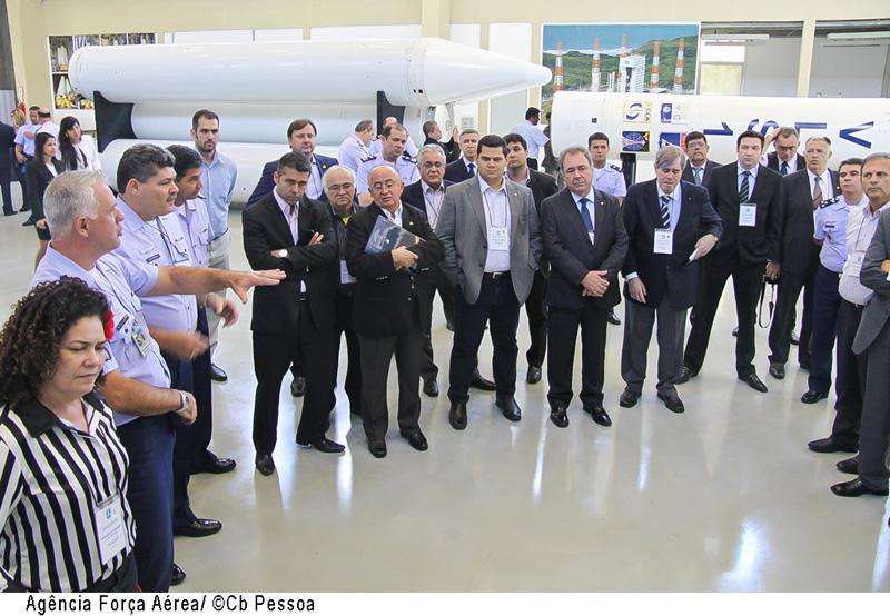 parlamentares conhecem projetos da Aeronautica - foto FAB