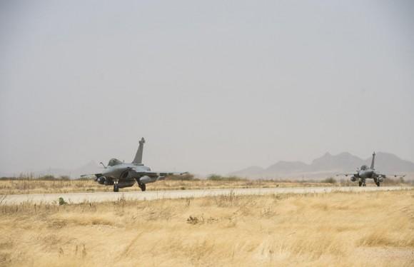 Caças Rafale desdobrados em Abéché no Chade - foto Força Aérea Francesa