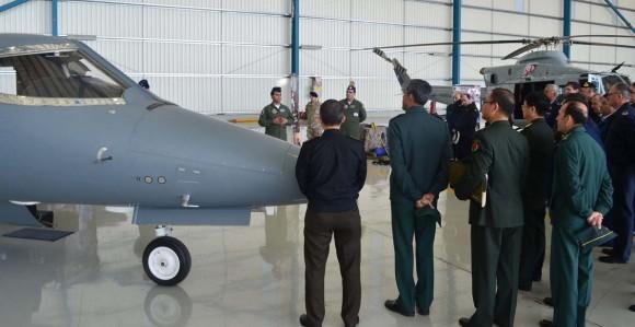 Adidos militares no Chile conhecem aeronaves da II Brigada Aérea - foto 2 FACh