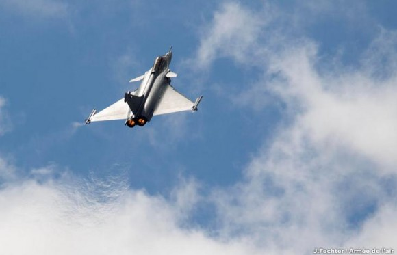 Rafale em show aéreo na Base de Châteaudun - foto Força Aérea Francesa