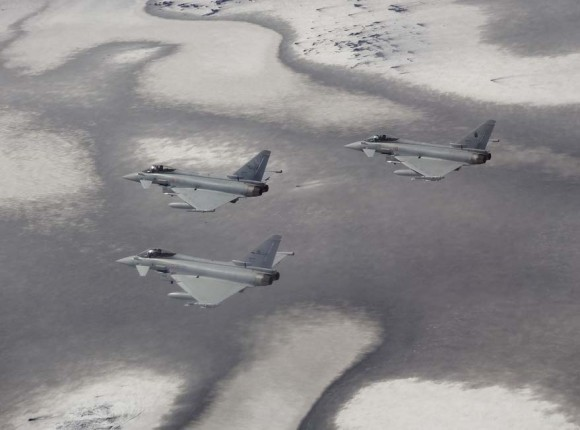 Caças Eurofighter italianos na Islândia - foto Força Aérea Italiana
