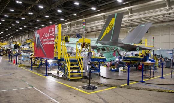F-35 de produção número 100 - destinado a Luke AFB - foto Lockheed Martin