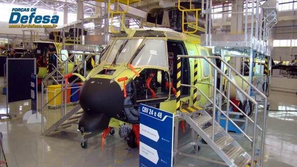 Células de EC725 CBV 24 e 48 na fábrica da Helibras em Itajubá - out 2012 - foto Nunão - Forças de Defesa