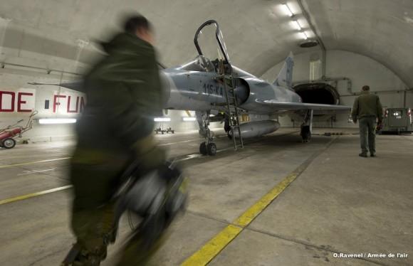 Mirage 2000 em alerta de permanência operacional na França - foto Força Aérea Francesa