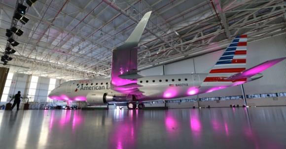 E-Jet número 1000  da Embraer com as cores da American Eagle - foto 2 Divulgação via UOL