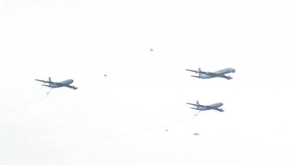 EB-707 e KC-135 em parada militar chilena - foto FACh