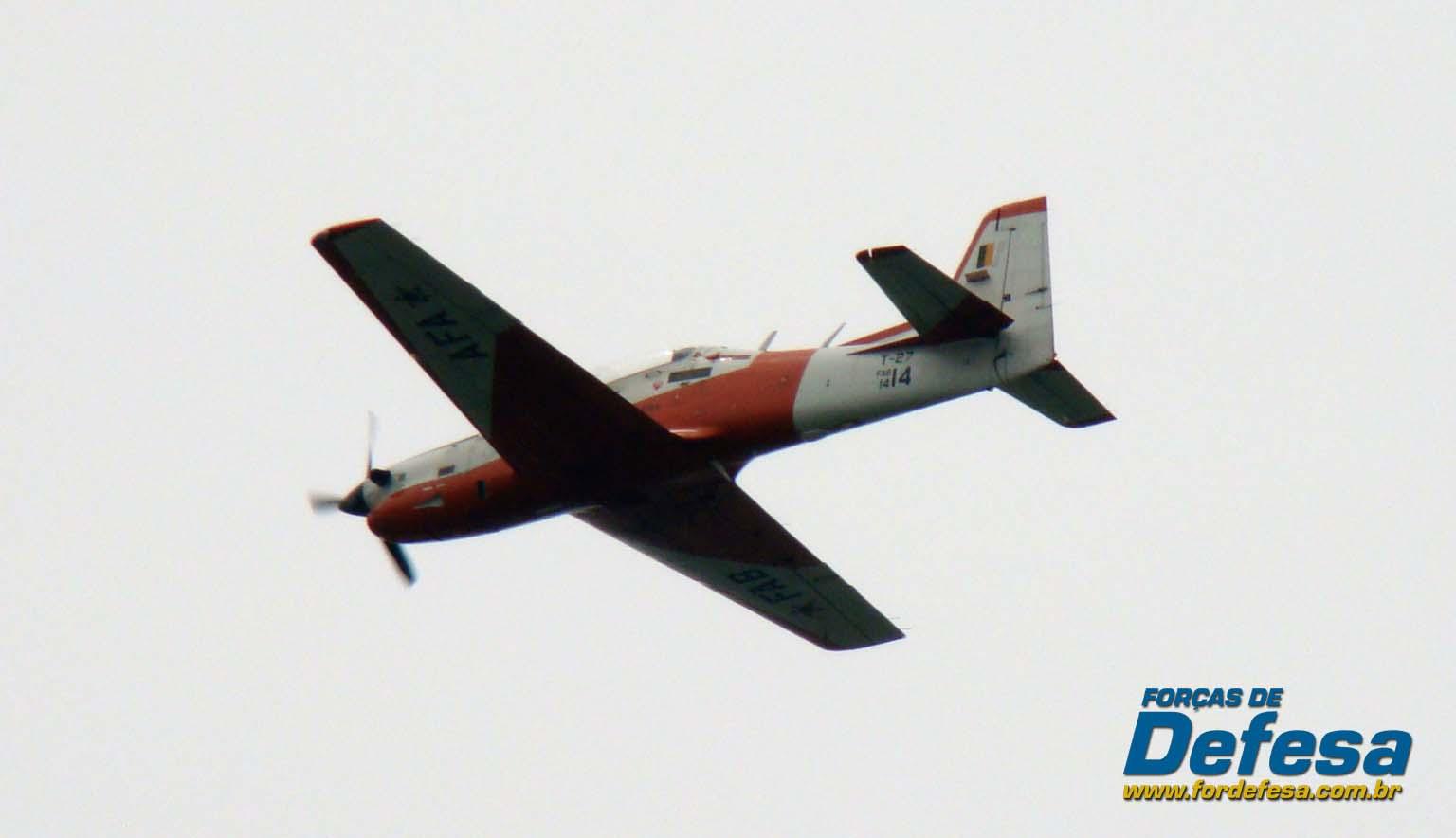 T-27 no Domingo Aéreo 2013 PAMA-SP - Foto Nunão - Poder Aéreo - Forças de Defesa